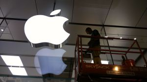 Apple Window Washing